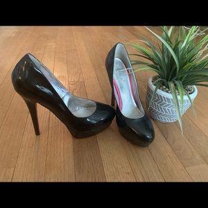 Shoe Dazzle Chanelle sz 8.5 pink bottom heels